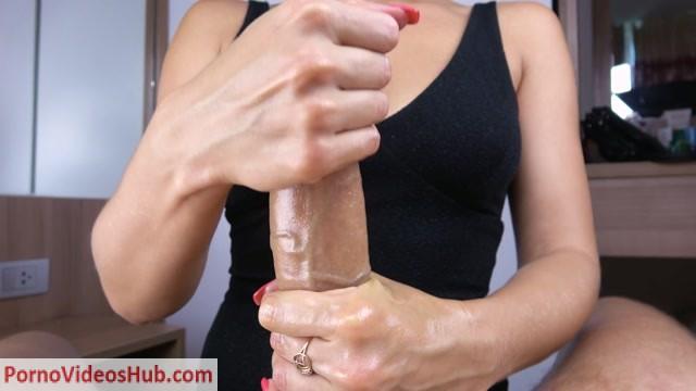 Kriss_Kiss_in_Teen_with_Oil_Tits_Handjob_and_Cum_Boobs.mp4.00000.jpg