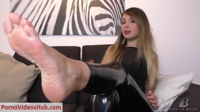 Watch Online Porn – Lizz La Reign in Toe worship (MP4, FullHD, 1920×1080)