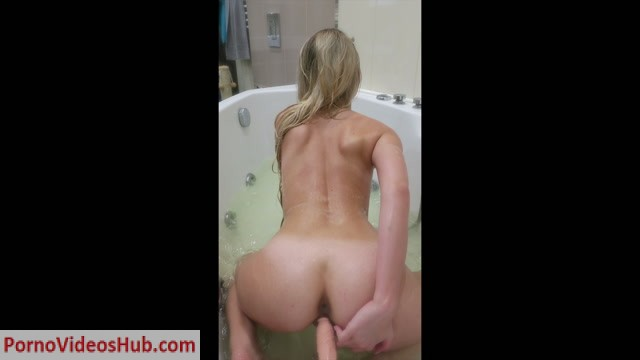 Watch Online Porn – ManyVids Webcams Video presents Girl Happy Yulia in spying on me in the shower (MP4, FullHD, 1920×1080)