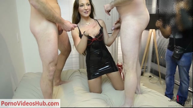 ManyVids_presents_julieskyhigh_aka_Julie_Skyhigh_in_gangbang_7_more_sperm_please.mp4.00000.jpg
