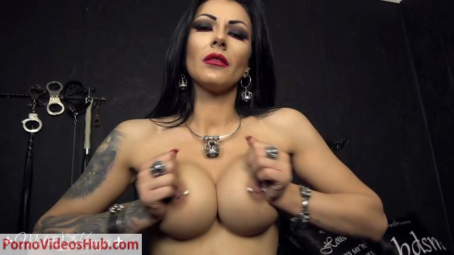 Watch Online Porn – Mistress Kennya in Too strong for you, loser! (MP4, FullHD, 1920×1080)
