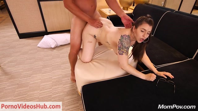 Watch Online Porn – MomPov presents Kendall in Horny MILF with all natural body – 26.07.2018 (MP4, SD, 1024×576)