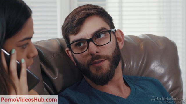 Watch Online Porn – RealityJunkies presents Harmony Wonder in I Heard You Have A Big Cock – 06.07.2018 (MP4, FullHD, 1920×1080)