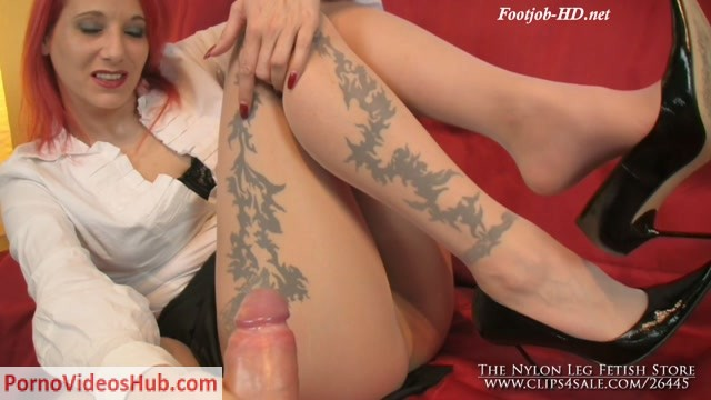 Watch Online Porn – The Nylon Leg Fetish Store presents Tan pantyhose footsie and footjob (MP4, HD, 1280×720)
