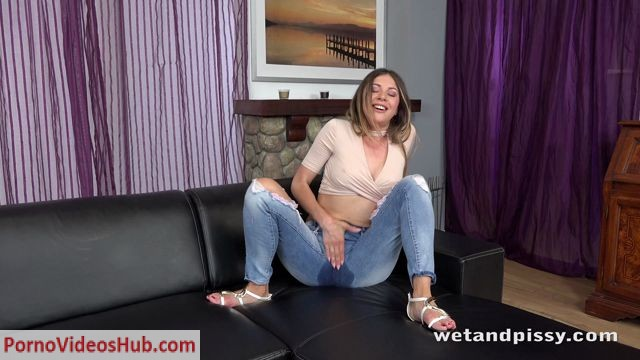 Watch Online Porn – WetAndPissy presents Paulina Soul in Sweet Soul Pisser – 10.07.2018 (MP4, FullHD, 1920×1080)