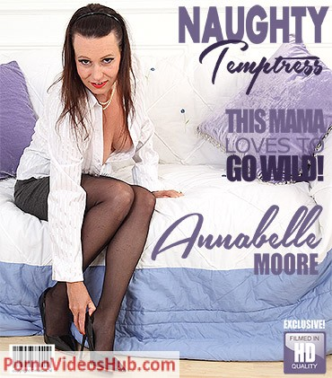 1_Mature.nl_presents_Annabelle_More__EU___40__in_naughty_temptress_playing_with_herself_-_24.08.2018.jpg