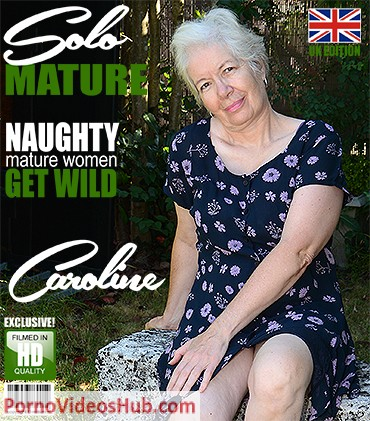 1_Mature.nl_presents_Caroline__EU___65__in_British_mature_lady_playing_outside_-_14.08.2018.jpg