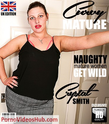 1_Mature.nl_presents_Crystal_Smith__EU___31__in_British_curvy_nympho_playing_with_herself_-_23.08.2018.jpg