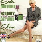 Mature.nl presents Elaine (EU) (61) in British mature lady Elaine playing in bed – 02.08.2018