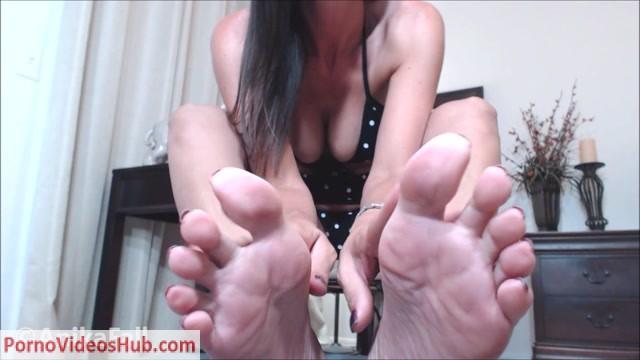 Watch Online Porn – Anika Fall – Mommys Secret Foot Boy (MP4, FullHD, 1920×1080)