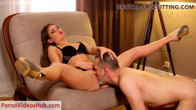 Watch Online Porn – Brutal-Facesitting – Mistress Holly Kane (MP4, FullHD, 1920×1080)