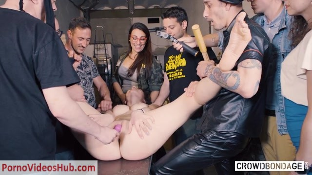 CROWDBONDAGE_presents_Sofia_Curly_in_BEAUTY_AND_THE_BONDAGE_BEAST_-_15.08.2018.mp4.00009.jpg
