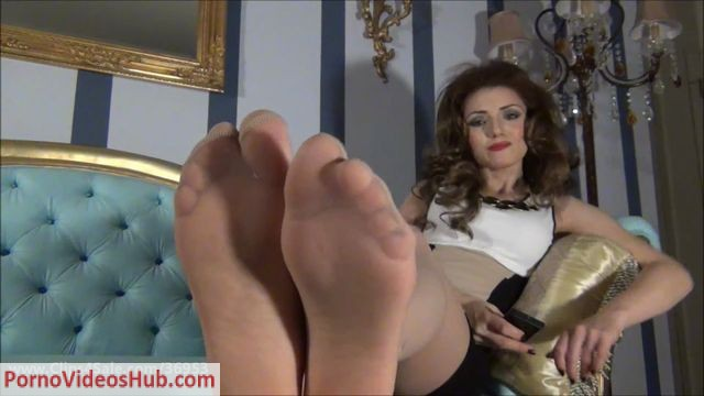 Watch Online Porn – Devious Queen – Employed at My feet (MP4, SD, 960×540)