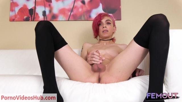 Watch Online Porn – Femout.xxx presents Eva Love Jacks Her Hard Cock! – 23.08.2018 (MP4, HD, 1280×720)