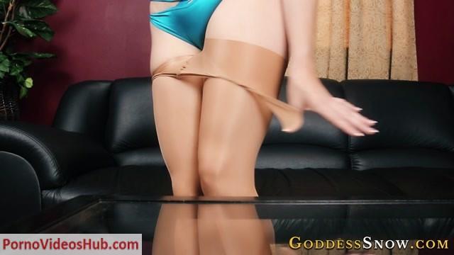 Watch Online Porn – Goddess Alexandra Snow – Foot Licker (MP4, HD, 1280×720)