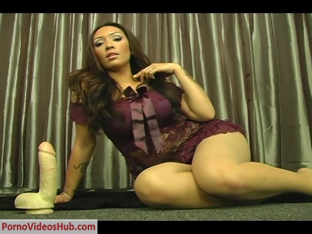 Watch Online Porn – Goddess Kim Kay – New rug (MP4, SD, 640×480)