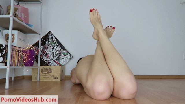ManyVids_presents_Mylene_in_CUSTOM__Red_toenails__feet__creamy_pussy.mp4.00008.jpg