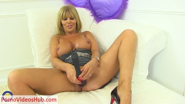 Watch Online Porn – Mature.nl presents Miss Gabrielle Fox (EU) (53) in British MILF Miss Gabrielle Fox loves fooling around – 18.08.2018 (MP4, FullHD, 1920×1080)