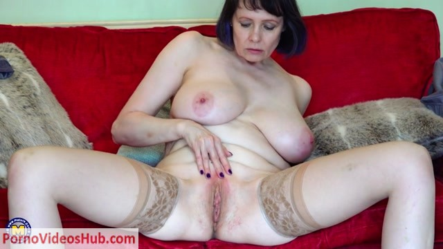 Mature.nl_presents_Tigger__EU___50__in_British_big_breasted_Tigger_pleasing_herself_-_09.08.2018.mp4.00015.jpg