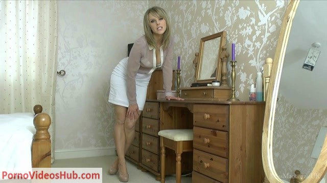 Watch Online Porn – Miss Mackenzie – Worship My High Heels Hot Bare Feet (MP4, HD, 1280×720)