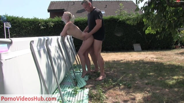 MyDirtyHobby_presents_blondehexe_-_Ein_Quicki_am_Morgen_-_A_quickie_in_the_morning.mp4.00007.jpg