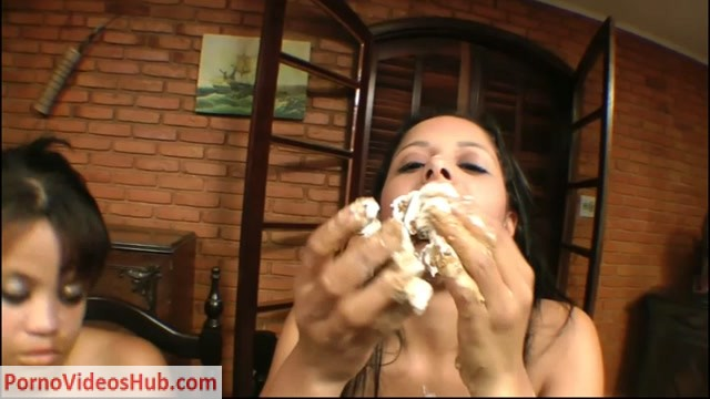 Nikki_and_Jessi_in_2_Girls_1_Cup_No.2___HUNGRY_BITCHES_-_2__.mp4.00014.jpg