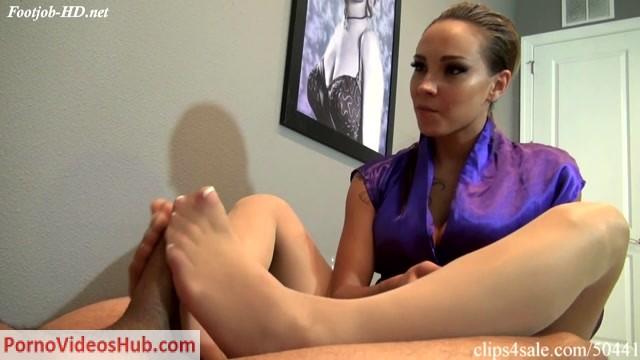 Sasha_Foxxx_Memerizing_Footjob_Therapy.mp4.00009.jpg