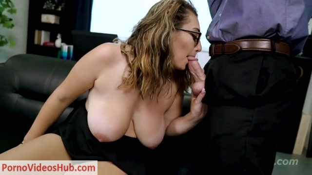 Tabooheat_presents_Britt_James_in_Mommy_Doesnt_Know.mp4.00008.jpg
