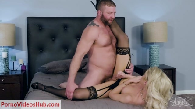 Watch Online Porn – Aubreys Suite Fuck – 01.09.2018 (MP4, HD, 1280×720)