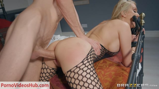 Brazzers_-_MilfsLikeItBig_presents_Amber_Jayne_in_The_Art_Of_Decluttering___Orgasming_-_19.09.2018.mp4.00006.jpg