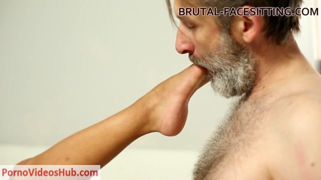 Watch Free Porno Online – Brutal-Facesitting – Julia Love (MP4, HD, 1280×720)