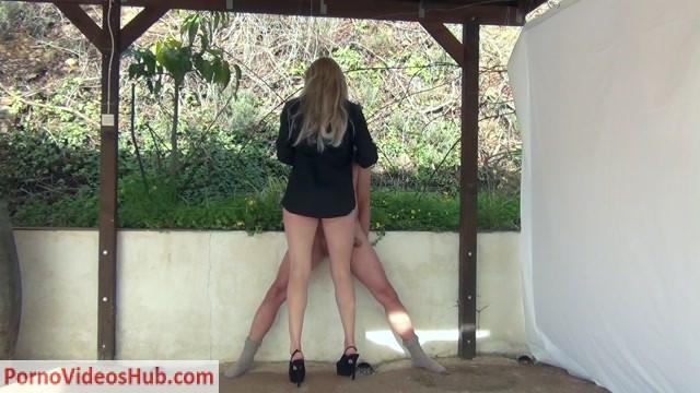 Watch Online Porn – CBTrample presents Legjob Queen Alina milks him twice between her Thighs (MP4, FullHD, 1920×1080)