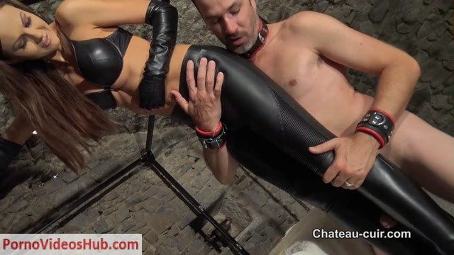 Chateau-Cuir_-_The_leather_pants_fucker.mp4.00004.jpg