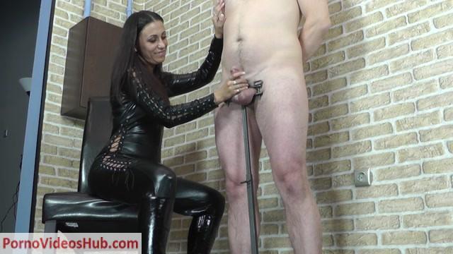 CruelHandjobs_presents_Mistress_Sophie_in_Extreme_huge_orgasm.mp4.00007.jpg