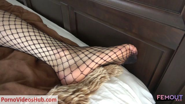 Femout.xxx_presents_Meet_Pretty_Kerri__-_06.09.2018.mp4.00003.jpg