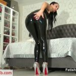 Fetish Liza – Jerk for My PVC pants