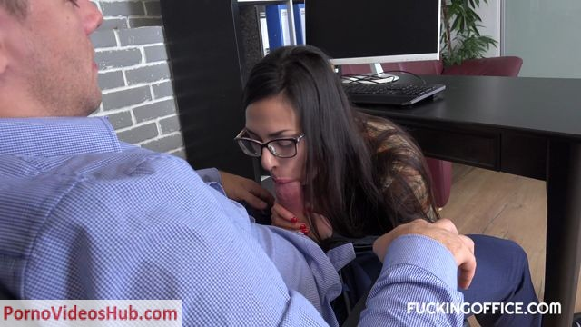 Watch Online Porn – FuckingOffice presents HORNY BABE ASHELY OCEAN – 10.09.2018 (MP4, FullHD, 1920×1080)