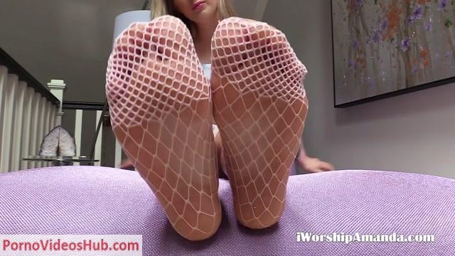 Watch Online Porn – Goddess Amanda – Fishnet Sock Foot Tease (MP4, FullHD, 1920×1080)