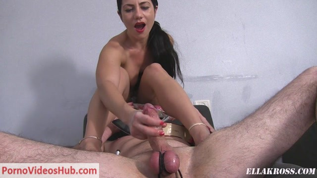 Watch Online Porn – Goddess Ella Kross in Jerking My Slave while He Cleans My Shoes! (MP4, FullHD, 1920×1080)