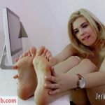 Jerk To My Feet – Rikki Convinces You to Help Her