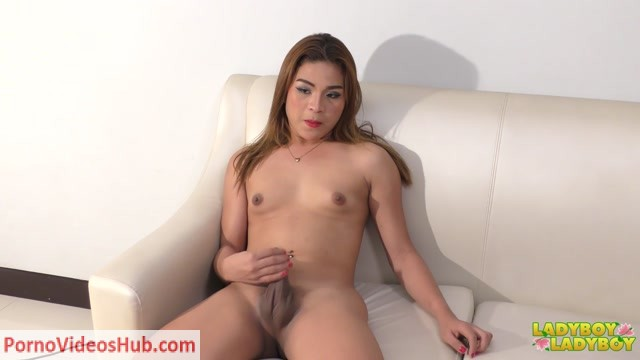 Ladyboy-ladyboy_presents_Francine_Strokes_Her_Super_Hungry_Cock__-_18.09.2018.mp4.00004.jpg