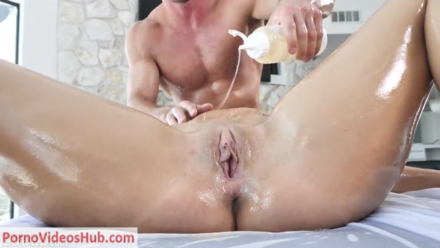 Watch Online Porn – Lubed presents Gia Derza in Wet Bouncing Booty – 21.09.2018 (MP4, SD, 852×480)