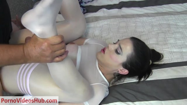 ManyVids_presents_Tia_Tizzianni_in_Lil_Nyxi_POUNDED_Doggy_Style___On_Back_-_24.08.2018__Premium_user_request_.mp4.00015.jpg