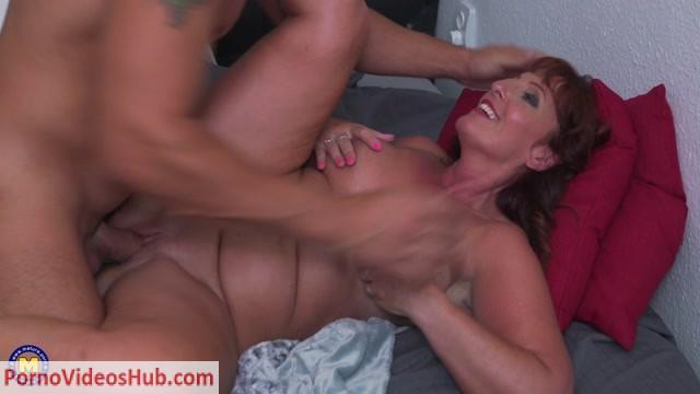 Watch Online Porn – Mature.nl presents Beau Diamonds (EU) (49) in British temptress fucking and sucking – 08.09.2018 (MP4, FullHD, 1920×1080)