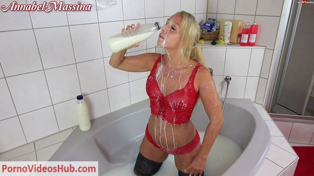 MyDirtyHobby_presents_AnnabelMassina_-_Perverse_Gangbangparty_die_Fick-Vorbereitung_-_Perverted_gangbang_party_the_fuck-preparation.mp4.00001.jpg