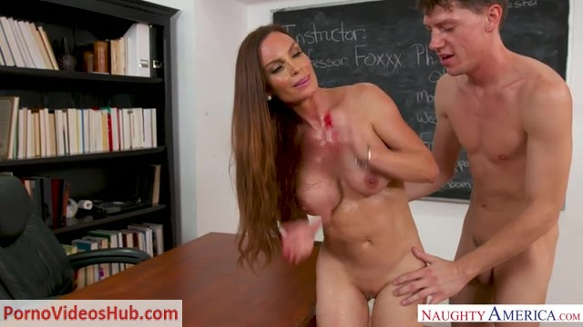NaughtyAmerica_-_MyFirstSexTeacher_presents_Diamond_Foxxx_-_19.09.2018.mp4.00013.jpg