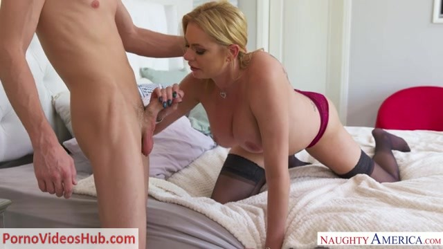 Watch Online Porn – NaughtyAmerica – MyFriendsHotMom presents Briana Banks – 20.09.2018 (MP4, SD, 640×360)