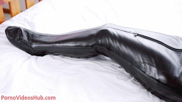 Watch Online Porn – RestrictedSenses presents Minas Sleepsack Nap (MP4, FullHD, 1920×1080)