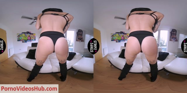 Watch Online Porn – StripzVR presents Stacey Lacey – Puss In Boots – 17.08.2018 (MP4, UltraHD/2K, 4096×2048)