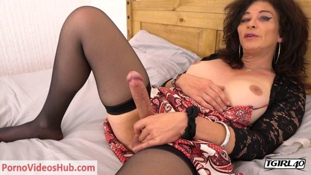 Watch Online Porn – Tgirl40 presents Classy TMilf Celine! – 31.08.2018 (MP4, HD, 1280×720)